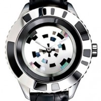 Dior Christal Mysterieuse features unique rotating dial made of 6 sapphire plates.