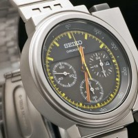 "Seiko's Futuristic Watch worn in movie ""Aliens"" re-issued. 4"